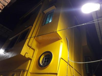 Gallery Cover Image of 700 Sq.ft 2 BHK Independent House for rent in Bansdroni for 4000
