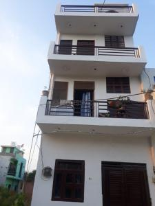 Gallery Cover Image of 450 Sq.ft 1 BHK Independent House for buy in Maruti Kunj for 2600000