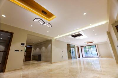 Gallery Cover Image of 4356 Sq.ft 4 BHK Apartment for buy in Tirth Silver Castle, Ambawadi for 32500000