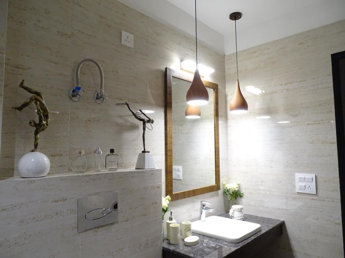 Common Bathroom Image of 2484 Sq.ft 3 BHK Independent Floor for buy in DLF Phase 1 for 20500000