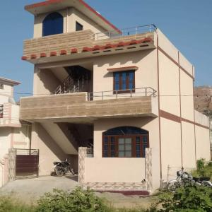 Gallery Cover Image of 3000 Sq.ft 3 BHK Independent House for buy in Chandrabani for 6800000