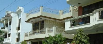 Gallery Cover Image of 874 Sq.ft 1 BHK Independent House for rent in Sector 10A for 11000