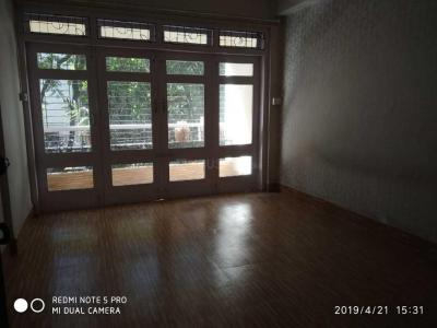 Gallery Cover Image of 850 Sq.ft 1 BHK Apartment for rent in Bandra East for 50000