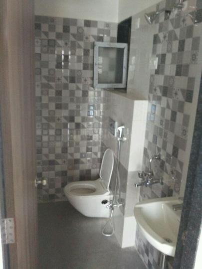 Common Bathroom Image of 651 Sq.ft 2 BHK Apartment for rent in Mira Road West for 18000