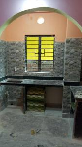 Gallery Cover Image of 650 Sq.ft 1 BHK Independent House for rent in Keshtopur for 7200