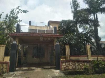 Gallery Cover Image of 1500 Sq.ft 3 BHK Villa for buy in Chochi for 13500000
