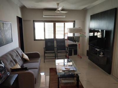 Gallery Cover Image of 950 Sq.ft 2 BHK Apartment for rent in Khar West for 120000