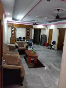 Gallery Cover Image of 1600 Sq.ft 3 BHK Independent Floor for buy in Baguiati for 8500000