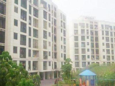 Gallery Cover Image of 580 Sq.ft 1 BHK Apartment for rent in Raheja Reflections, Kandivali East for 26000