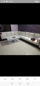Gallery Cover Image of 1400 Sq.ft 3 BHK Apartment for buy in Ratanpur for 2800000