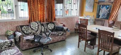 Gallery Cover Image of 1001 Sq.ft 3 BHK Apartment for rent in Bandra East for 100000