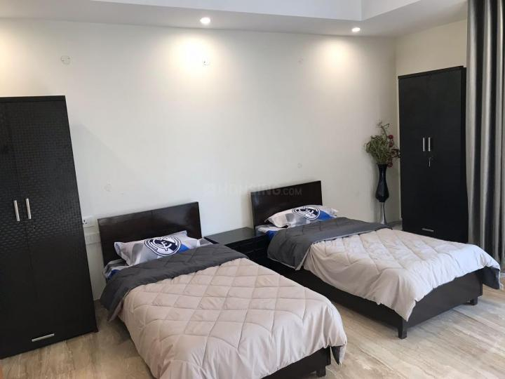 मालवीय नगर में डबल शेयरिंग के बेडरूम की तस्वीर