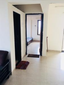 Gallery Cover Image of 600 Sq.ft 1 BHK Apartment for buy in Pegasus Tower, Andheri West for 14500000