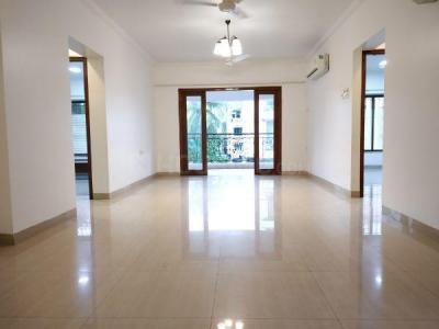 Gallery Cover Image of 1600 Sq.ft 3 BHK Apartment for rent in Khar West for 120000