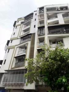 Gallery Cover Image of 850 Sq.ft 2 BHK Apartment for buy in Greenfield Apartment, Santacruz West for 40000000