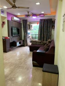 Gallery Cover Image of 1050 Sq.ft 2 BHK Apartment for buy in Srishti Synchronicity, Powai for 20000000