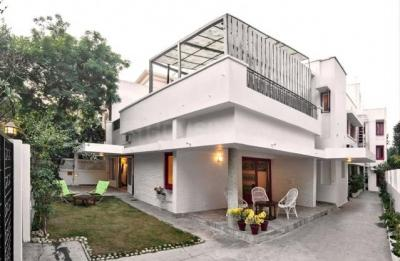 Gallery Cover Image of 2500 Sq.ft 10 BHK Independent House for buy in Jasola for 140000000