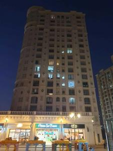 Gallery Cover Image of 2150 Sq.ft 4 BHK Apartment for rent in Hiranandani Brookhill, Hiranandani Estate for 80000