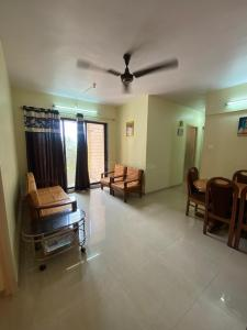 Gallery Cover Image of 850 Sq.ft 3 BHK Apartment for buy in Richa mhada Colony, Mulund East for 12000000