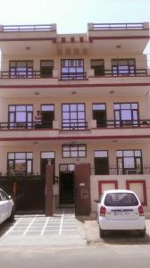 Building Image of Rajesh Aggarwal PG in Sector 43