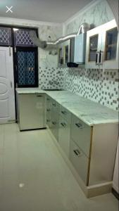Gallery Cover Image of 850 Sq.ft 2 BHK Independent Floor for rent in Sector 16A Dwarka for 11000