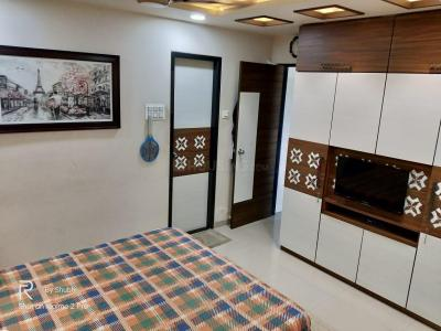 Gallery Cover Image of 1250 Sq.ft 3 BHK Apartment for buy in Mhatre Nagar for 11000000