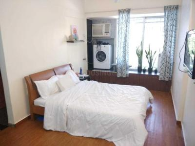 Gallery Cover Image of 450 Sq.ft 1 RK Apartment for rent in Dheeraj Arcade, Bandra West for 33000