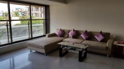 Gallery Cover Image of 2160 Sq.ft 3 BHK Apartment for buy in Juhu for 85000000
