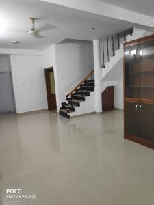 Gallery Cover Image of 1600 Sq.ft 3 BHK Villa for buy in Neelankarai for 14000000