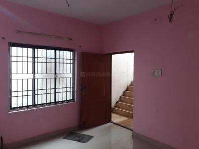 Gallery Cover Image of 800 Sq.ft 2 BHK Apartment for buy in Saligramam for 3900000