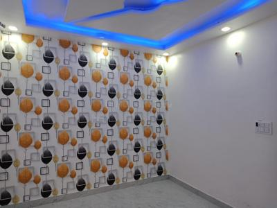 Gallery Cover Image of 410 Sq.ft 2 BHK Independent Floor for buy in Royal Homes, Dwarka Mor for 1700000