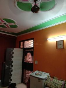 Gallery Cover Image of 950 Sq.ft 2 BHK Independent Floor for rent in Pratap Vihar for 8000
