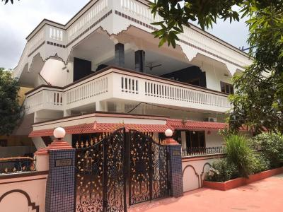 Gallery Cover Image of 4000 Sq.ft 3 BHK Independent House for buy in Neredmet for 19000000