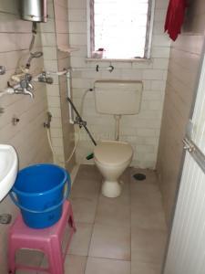 अंधेरी ईस्ट में रोननी पीजी के बाथरूम की तस्वीर