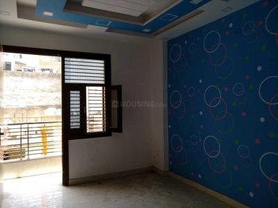 Gallery Cover Image of 550 Sq.ft 1 BHK Independent House for buy in Dwarka Mor for 2100000