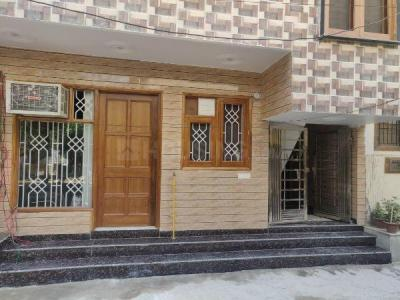 Gallery Cover Image of 668 Sq.ft 1 BHK Independent Floor for rent in DDA Residential Apartment Sector 7, Sector 7 Dwarka for 17000