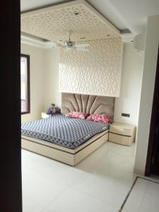 Gallery Cover Image of 1750 Sq.ft 4 BHK Apartment for buy in Pitampura for 20000000