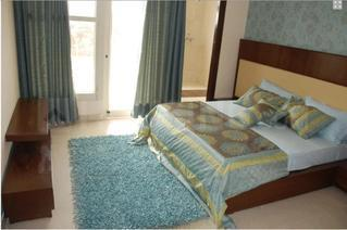 Gallery Cover Image of 1870 Sq.ft 3 BHK Apartment for rent in Viman Nagar for 40000