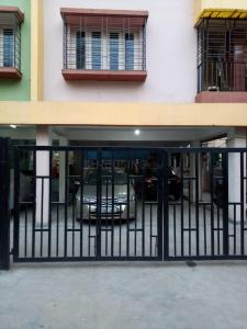 Gallery Cover Image of 1200 Sq.ft 2 BHK Apartment for rent in Dhakuria for 27000