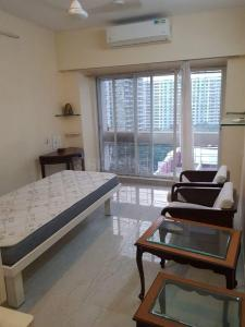 Gallery Cover Image of 2000 Sq.ft 4 BHK Apartment for rent in Brindaban 2, Andheri East for 80000