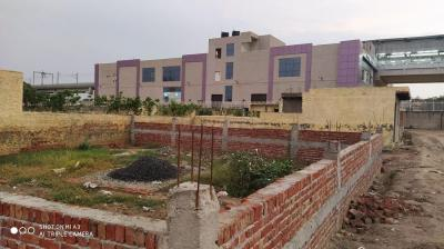 Gallery Cover Image of 900 Sq.ft Residential Plot for buy in Sector 81 for 1400000