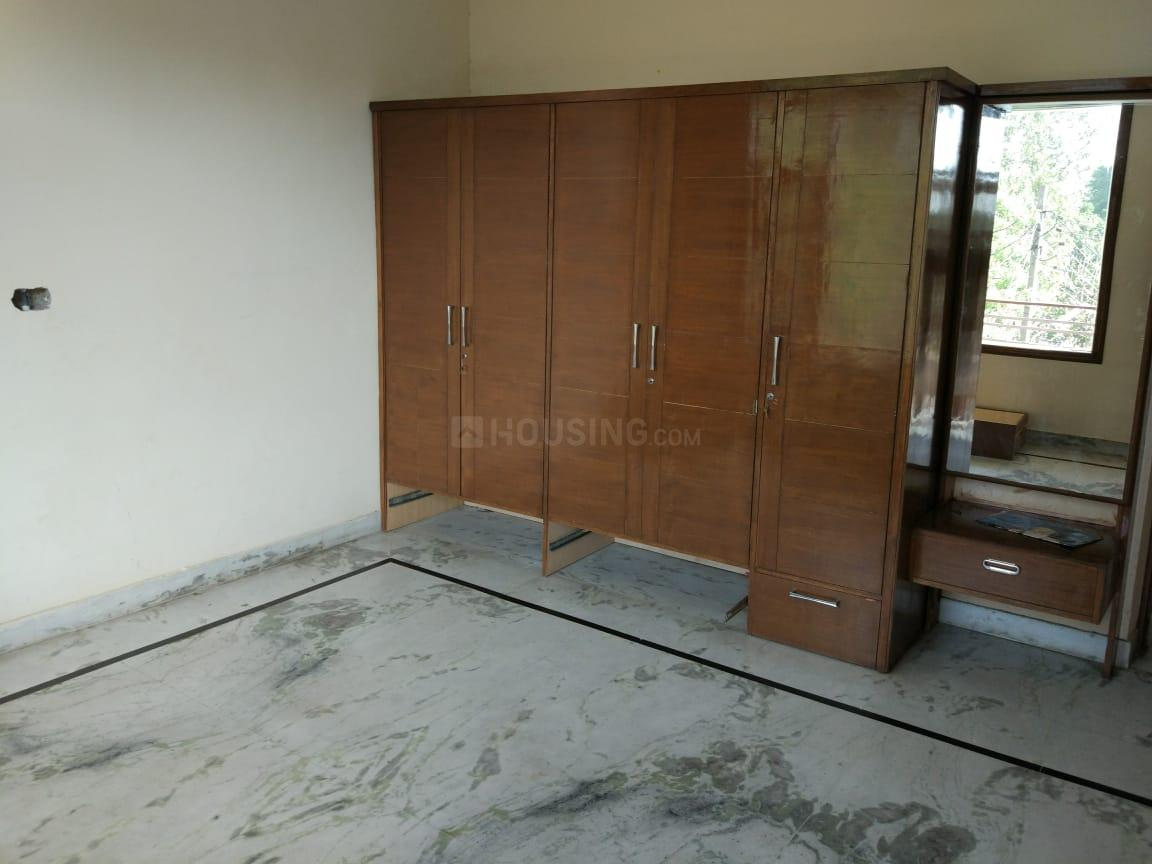 Bedroom Image of 2000 Sq.ft 2 BHK Independent House for rent in Sector 19 for 28000