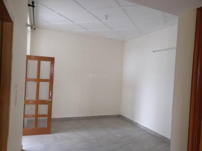 Gallery Cover Image of 865 Sq.ft 2 BHK Apartment for buy in Phi III Greater Noida for 3200000