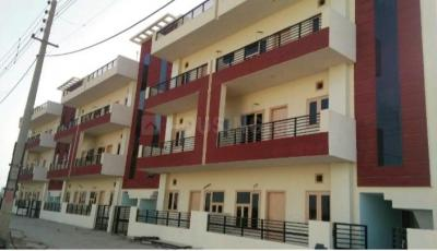 Gallery Cover Image of 1710 Sq.ft 2 BHK Independent Floor for buy in Sector 72 for 2650000