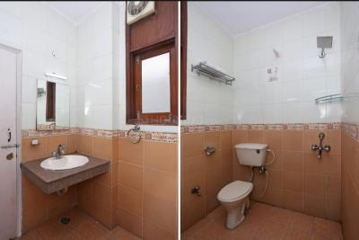 Bathroom Image of Raj PG in Sector 51