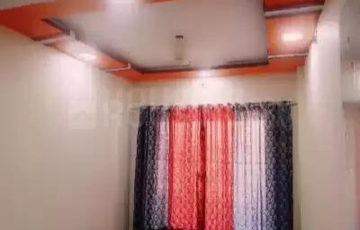 नालासोपारा वेस्ट में कम्फ़र्ट पेइंग गेस्ट के लिविंग रूम की तस्वीर
