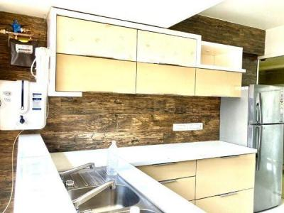 Gallery Cover Image of 2200 Sq.ft 3 BHK Apartment for rent in Krypton Towers, Prabhadevi for 205000