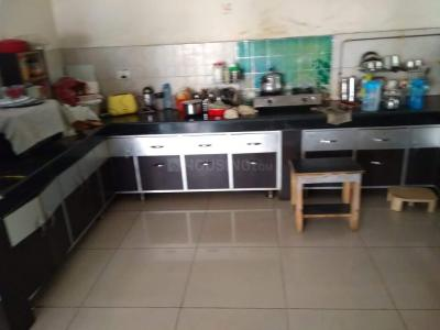 Gallery Cover Image of 1200 Sq.ft 3 BHK Apartment for rent in Pandav Nagar for 13000