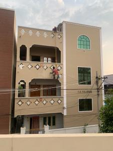Gallery Cover Image of 900 Sq.ft 2 BHK Independent Floor for rent in Malkajgiri for 11000