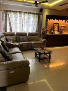 Gallery Cover Image of 1200 Sq.ft 3 BHK Apartment for buy in Sainath Towers, Mulund East for 21500000